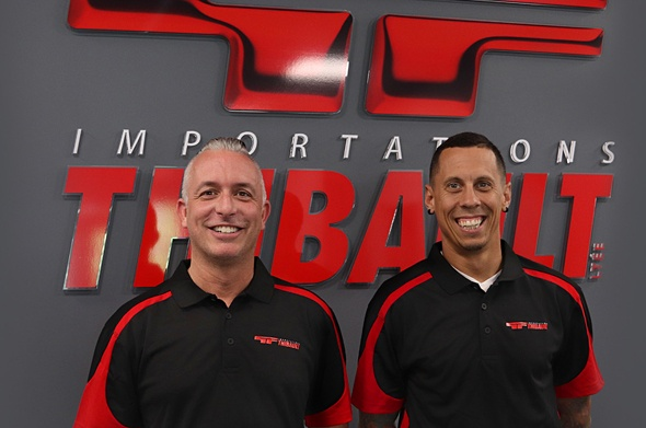 Deux nouveaux directeurs des ventes de district se joignent à l'équipe d'Importations Thibault